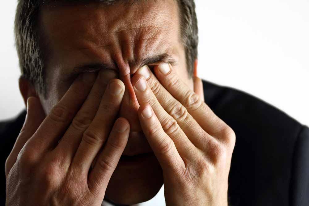 飛蚊症には活性酸素が原因!?飛蚊症改善にはルテインとゼアキサンチンがポイント!