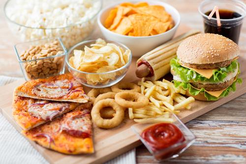 食生活もニキビに影響