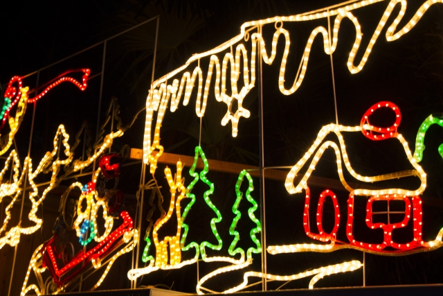 LEDライトでクリスマスに華やかさをプラスしよう!